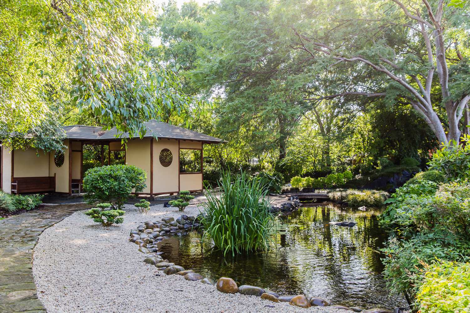 Traditional japanese gardens for Traditional japanese garden